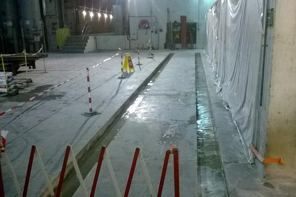 Changement de rails dans un barrage EDF